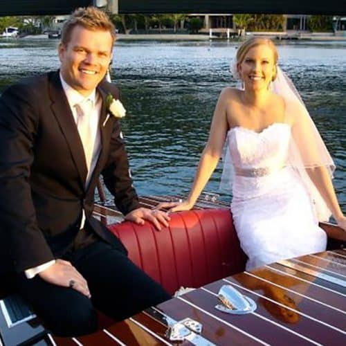 Getting married along the Noosa River? Book your guests on our bus as you arrive in a Noosa Dreamboat.